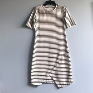 Dresses & Skirts - Stripped, Has a slit, Short sleeved, hugs figure